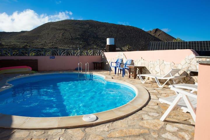piscine (non climatisée) privée ___ private swimming pool (non heated) ___ piscina (no climatizada) privada