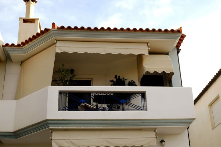 1st Floor Apartment - Perdika village (Aegina isl)