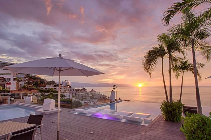 Modern Condo with a Beautiful Rooftop pool! - Puerto Vallarta - Apartament