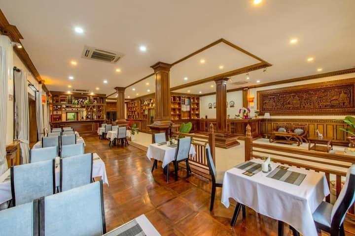 Superior Room:A/C,Breakfast,Steam and Sauna,PickUp