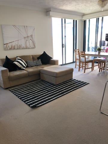 Cosy apartment in Woolloongabba small room