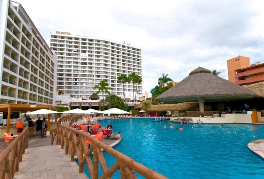Sea River Towers and Sunscape Resort