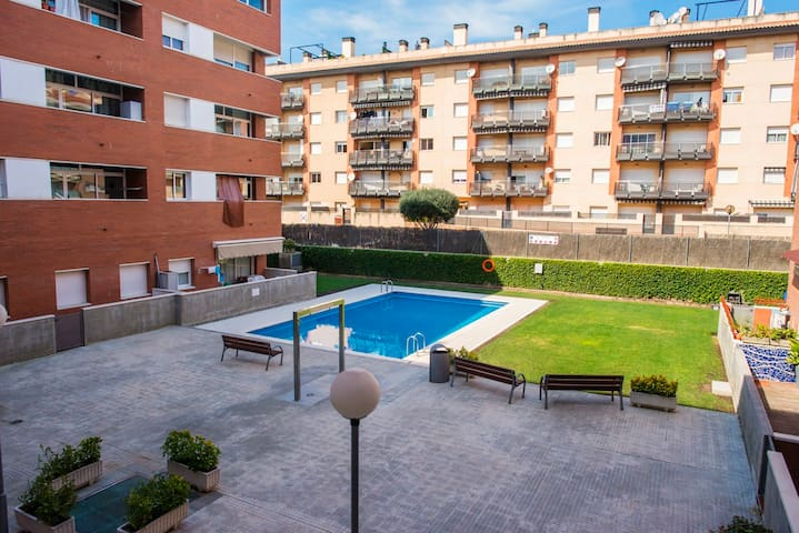 2 bedrooms, parking, pool, near beach - Lloret de Mar - Apartment