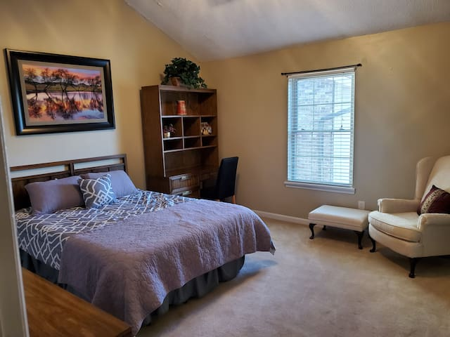 Large Master with Desk, Sitting area, Vaulted ceilings with fan, on-suite restroom