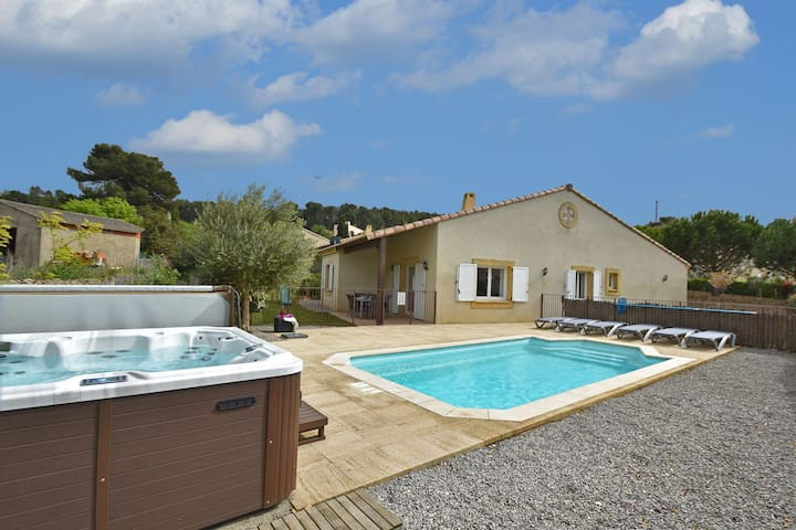 Modern Villa with Private Pool in Montburn-des-Corbieres