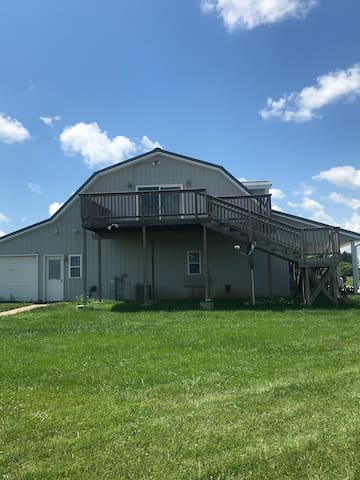 Aviation lovers farm stay