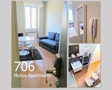 Monza Apartments, 706