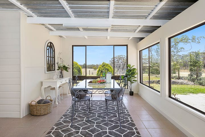 Silky Oak Cottage - cosy with country views