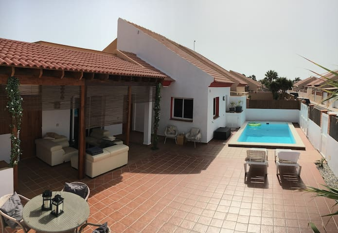 Villa close to beach and down town in Corralejo.