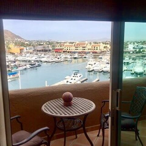 Penthouse studio on Cabo Marina. - Cabo San Lucas - Appartement en résidence