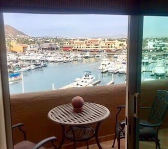 Penthouse studio on Cabo Marina. - Cabo San Lucas - Condominium