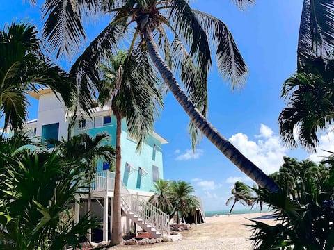 Palms Resort at Sugarloaf / Green House