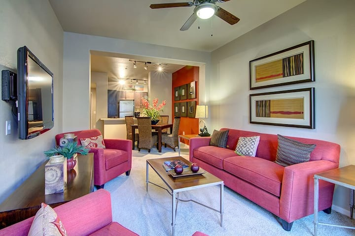 3BR oasis w/ pool, gym and more in Surprise, AZ