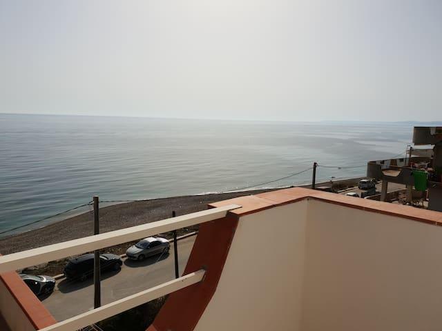 """""""Oasi del mare""""   appartamento al mare"""