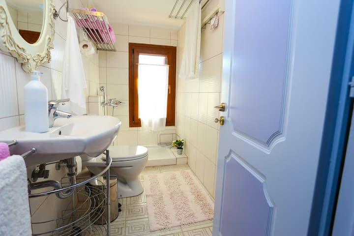Bathroom with shower on the 1st floor