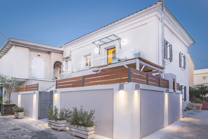 Athena/ Αθενα Luxury Apartments 1