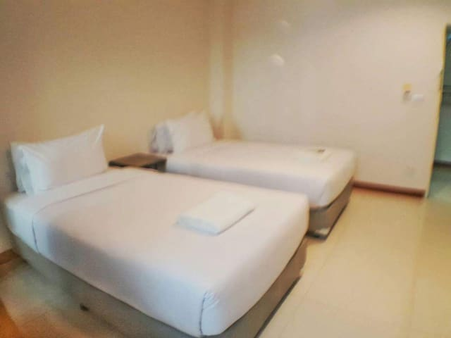 Twin 0.8km to Donmuang Airport/comfortable travel