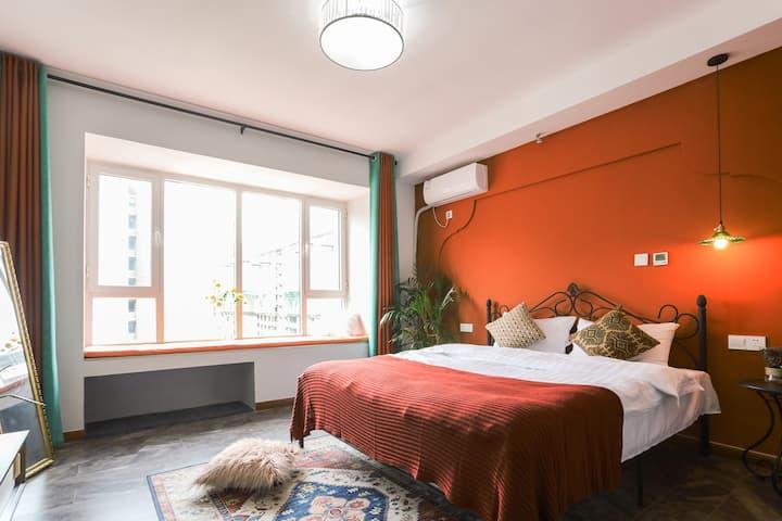 【设计师の家】摩洛哥风情主题民宿 近理工大乳胶床垫经典怀旧红白机