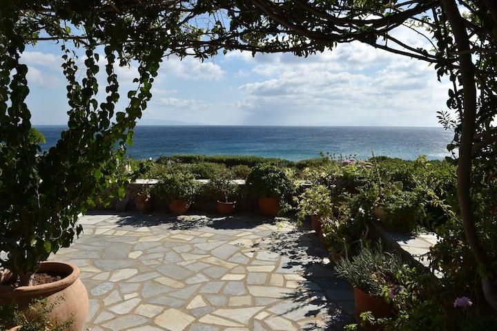 Beachfront Villa Sophia -  Lolantonis Beach, Paros