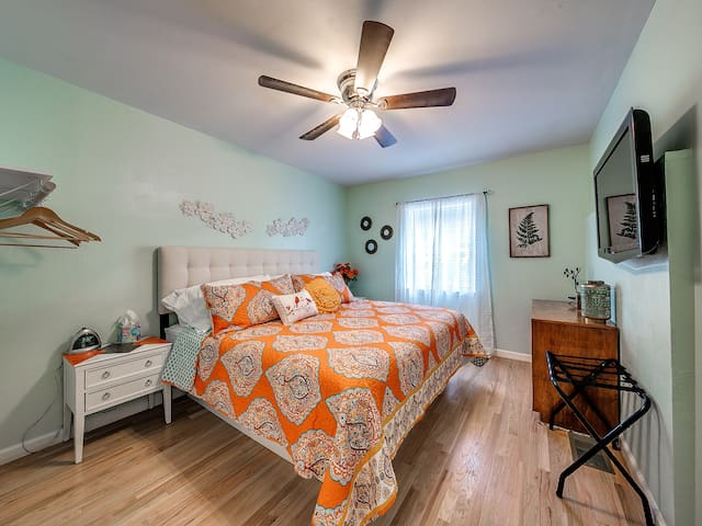 """Bed room 1 - King Bed,  with 42"""" TV with cable."""