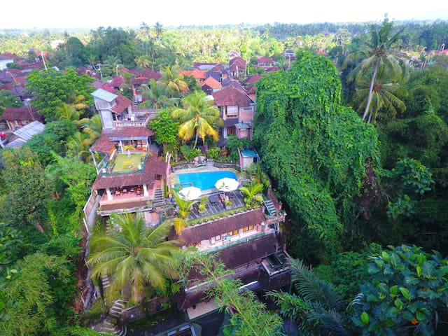 Deluxe Room with Ravine View at Ketut's Place