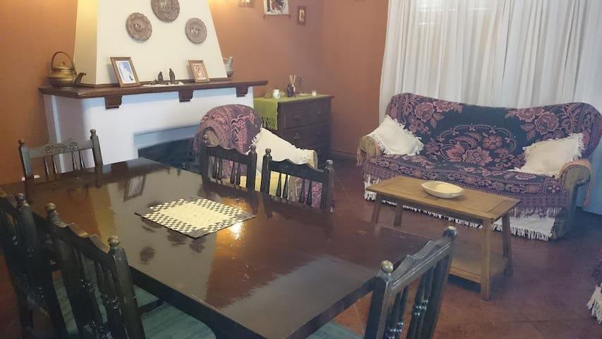 IMPORTANTE CHALET EN ZONA PRIMERA - Miramar - Casa