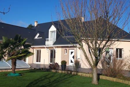 Logement indépendant dans bourg proche de Rouen