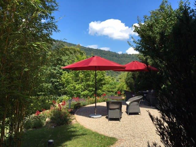 Gästezimmer in Villa für berufliche Aufenthalte