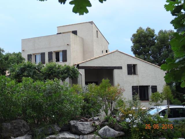Ferienwohnung mit Pool in herrlicher Lage, App. 1 - Les Adrets-de-l'Estérel - Apartment