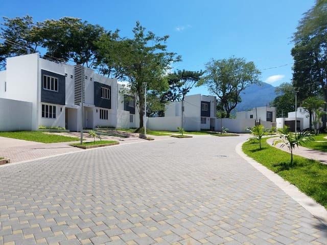 Brand-new,  eco-friendly home in Nejapa. S.S
