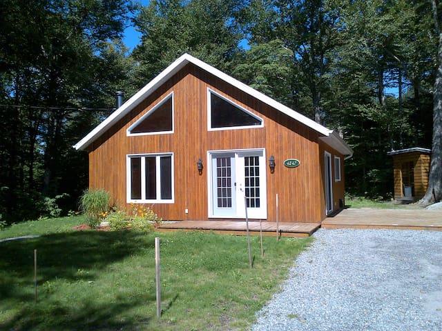 Maison de campagne Lac Sept-Îles - St-Raymond - กระท่อมบนภูเขา