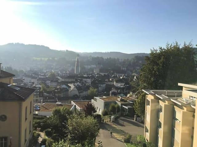Studio with stunning view - Sankt Gallen - Apartment