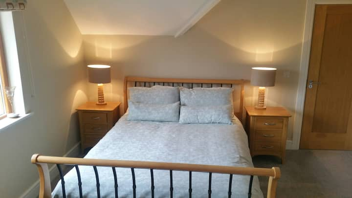 Large Double Room En-Suite - Wild Atlantic Way