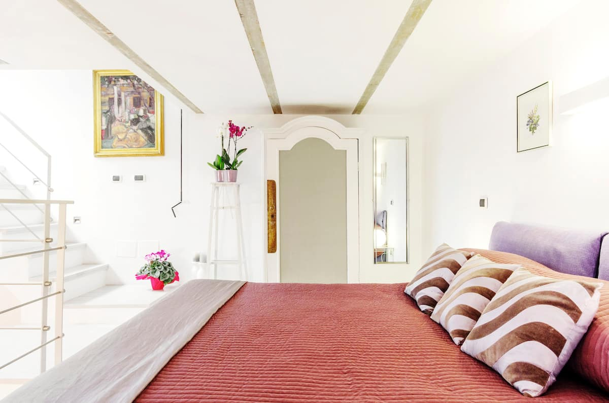 Sanitized Romantic Suite with Private Terrace near Colosseum
