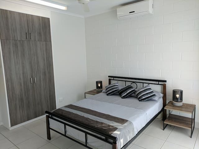 Woods Street Retreat - Darwin City - House