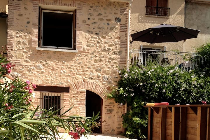 Holiday home for 8 in Catalan village, PO