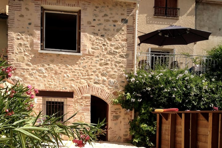 Holiday home for 6 in Catalan village, PO