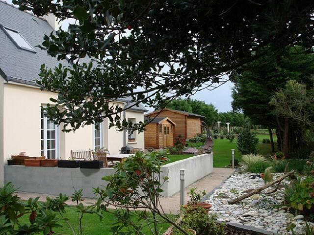Chambres d'hôtes : HERQUEVILLE - HOUSE L' Elégance