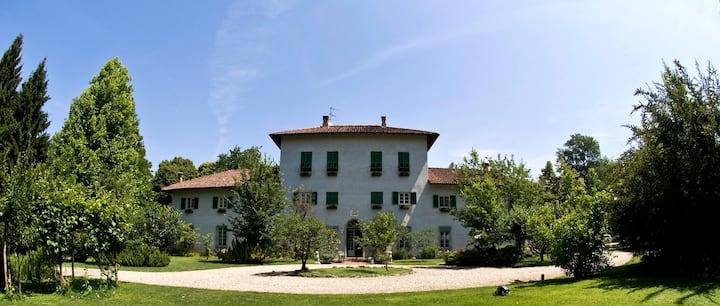 Charme et tranquillité dans une maison historique