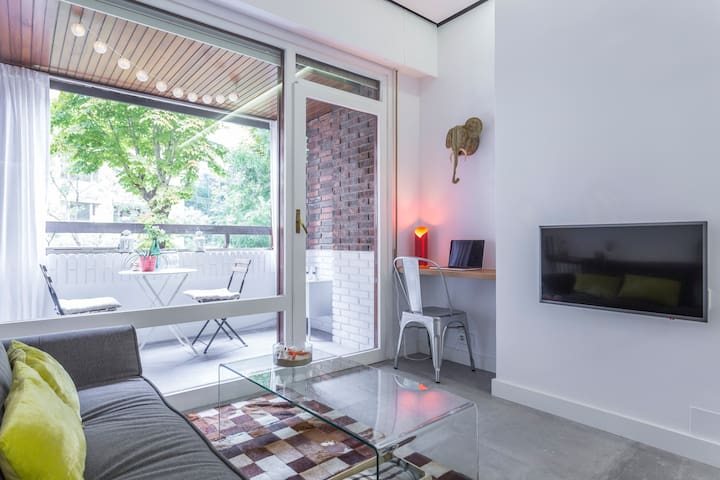 Desing Studio with terrace close to IE