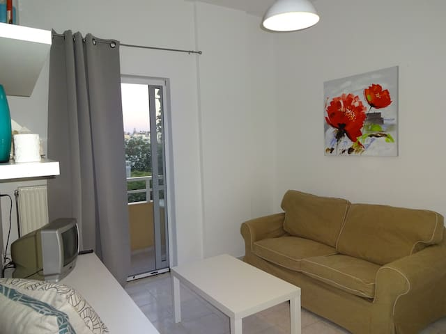 Modern furnished, Renovated apartment (200M beach) - Γάζι - Pis