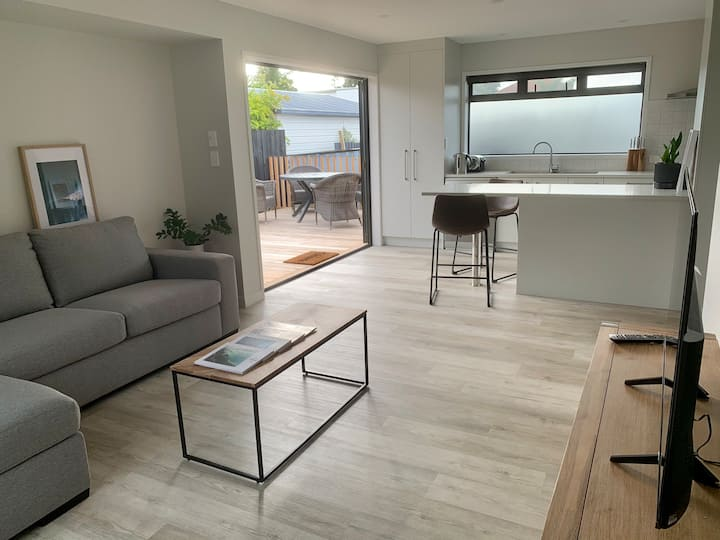 Casa del Mar - ALL NEW self-contained apartment
