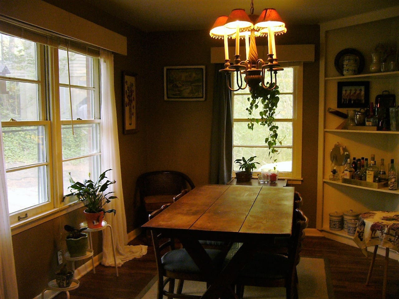 The dinning room.  Open to the living room and doorway to the kitchen.