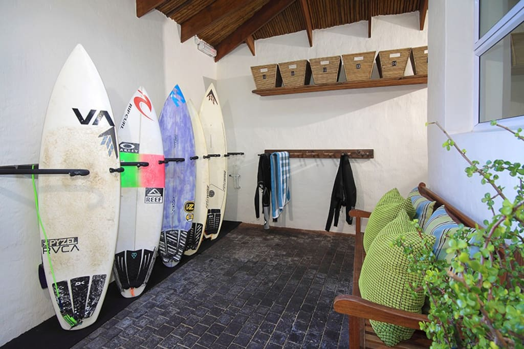 Board room for surf gear