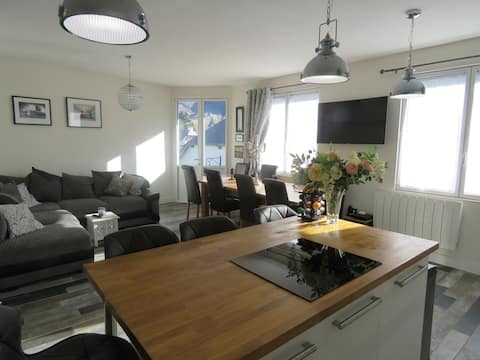 Stunning Sarrancolin 5 bed, 10 people town house