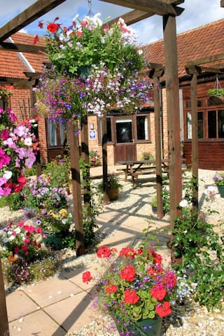 North Norfolk Countryside Escape - Wickmere - Apartamento