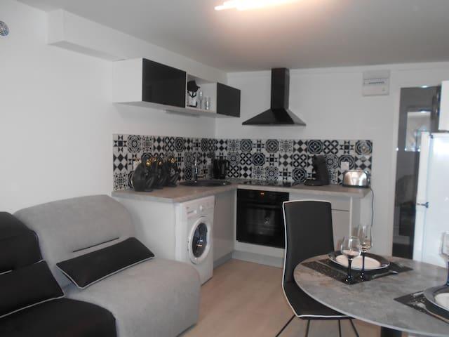 Appartement décoration noir et blanc