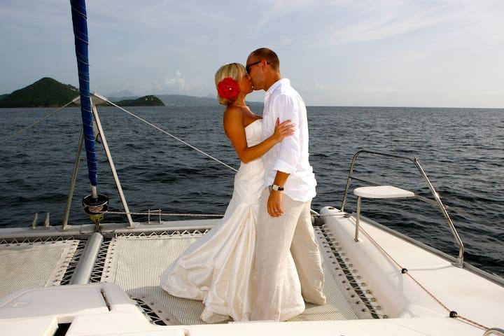Coupler having a Romantic moment