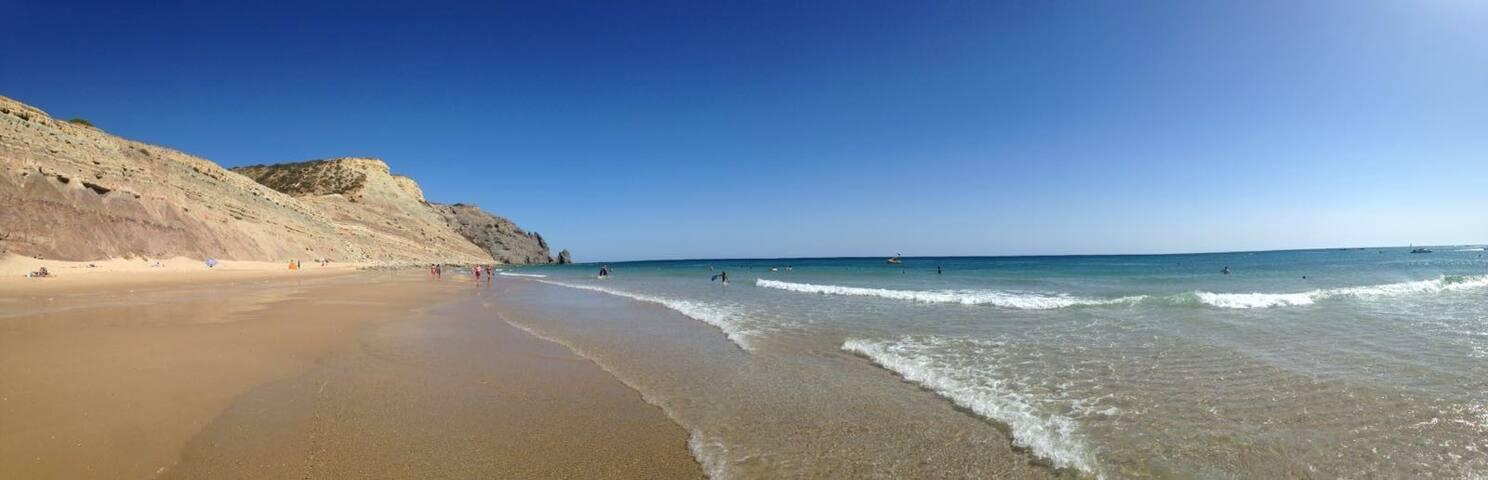 Good feeling surf room private, luz beach