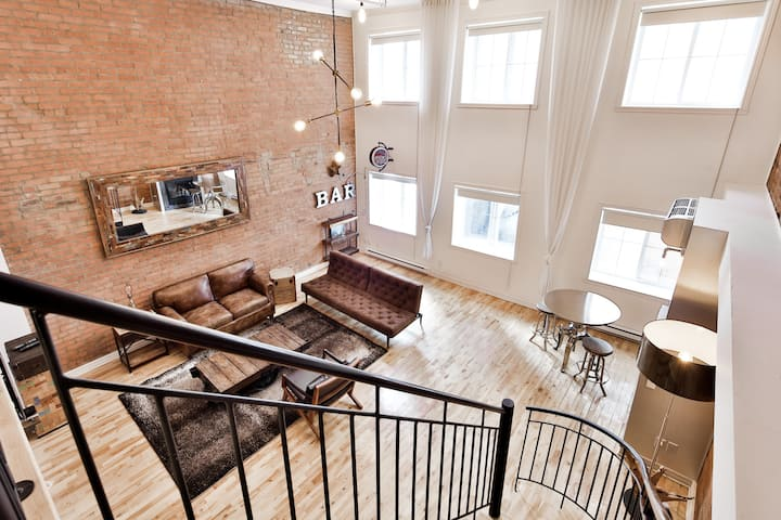 ☆MUST SEE: Old Montreal 2-Floor Industrial Loft!☆